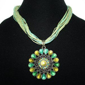 Stunning green and bronze flower necklace adjust